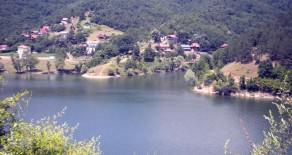 Na prodaju plac na Bovanskom jezeru