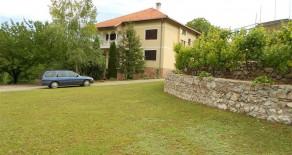 Prodaje se kuća 330m2 sa 20ari placa Sokobanja