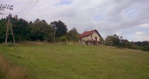 Na prodaju vikendica sa 2 hektara zemlje