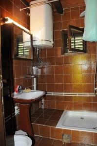 Kuća na prodaju u Sokobanji kupatilo