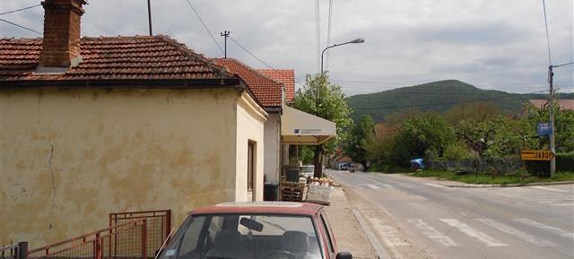 Na prodaju kuća i 2 ara placa blizu akva parka