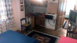 Prodaje se deo prizemne kuće 35m2 sa okućnicom u Sokobanji